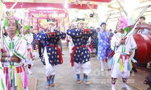 Dân biển Ninh Thuận tưng bừng với lễ hội Nghinh Ông