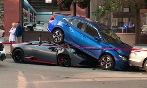 Đạp nhầm chân ga siêu xe gần 30 tỷ 'nhấc bổng' Honda Civic