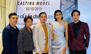 Dàn hoa hậu, á hậu tham dự show 25 năm thời trang Võ Việt Chung