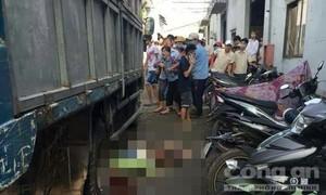 Xe tải lùi trong công ty gỗ, cán chết nữ tạp vụ