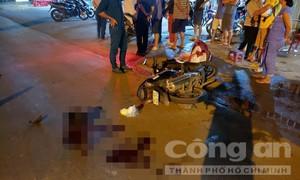 Xe tải va chạm xe máy, cả gia đình 3 người thương vong