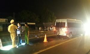 Xe khách tông trực diện xe máy, một người tử vong