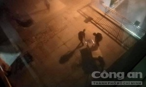 Nam thanh niên nhảy lầu bệnh viện tử vong tại chỗ