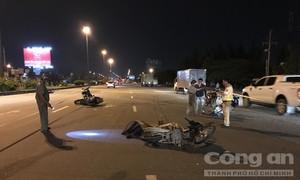 Ba xe máy tông liên hoàn, 4 người thương vong