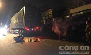 """Vượt trái, thanh niên bị xe container cán chết trên đường """"tử thần"""" ở Sài Gòn"""