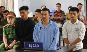 Thanh niên đâm chết bạn trước quán karaoke lãnh 8 năm tù