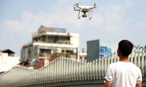 Flycam bị cấm bay trong bán kính 8 km quanh sân bay
