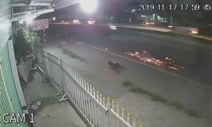 Cụ bà sang đường, bị xe máy tông tử vong tại chỗ