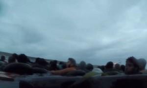 Clip giải cứu 150 người di cư trái phép đắm thuyền giữa biển động