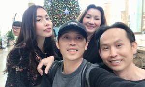 Hoài Linh sum họp gia đình dịp cuối năm
