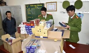 Bắt giữ hơn 3000 gói thuốc lá do nước ngoài sản xuất