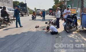 Xe máy chạy sát lề vẫn bị xe đầu kéo lấn làn cán, 2 người thương vong