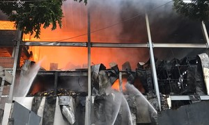 Cháy khủng khiếp tại công ty bánh kẹo trong KCN Sóng Thần