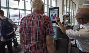 Mỹ đề xuất scan mặt tất cả khách du lịch khi xuất, nhập cảnh