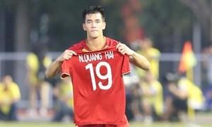 Tiến Linh lập cú đúp, U22 Việt Nam ngược dòng vào bán kết với ngôi đầu bảng