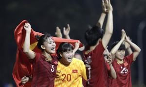 Thủ tướng chúc mừng ĐT bóng đá U22 và nữ tại SEA Games 30