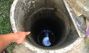 Chú nhảy xuống giếng sâu hơn 20 mét cứu cháu, cả hai cùng tử vong