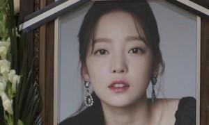 Sao Hàn tự tử hàng loạt làm lộ mặt tối của nạn công kích trên mạng