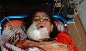 Clip nữ vũ công bị bắn vào mặt trong đám cưới ở Ấn Độ