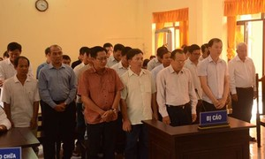 23 bị cáo nguyên là cán bộ hải quan Kiên Giang lãnh án