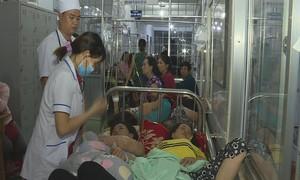 Hơn 200 người nhập viện sau khi đi ăn tiệc cưới