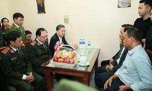 Bộ trưởng Tô Lâm thăm hỏi, chia buồn gia đình CBCS hi sinh tại Đồng Tâm