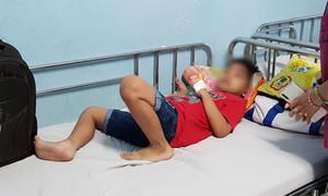 Vụ 100 học sinh ngộ độc khi đi du lịch: Một em trụy mạch