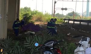 Phát hiện xác một phụ nữ lõa thể dưới gầm cầu cao tốc ở Sài Gòn
