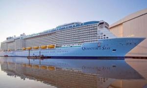Du thuyền 5 sao hiện đại hàng đầu thế giới cập cảng TPHCM