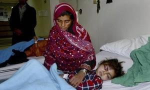 Hy hữu cô bé 12 tuổi vẫn sống sót sau 18 giờ bị chôn vùi dưới tuyết