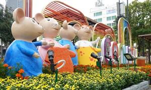 Đại gia đình nhà chuột đã có mặt tại đường hoa Nguyễn Huệ