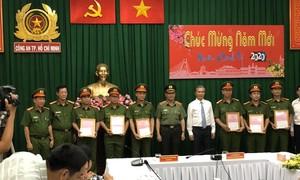 Khen thưởng các đơn vị phá vụ án phóng hỏa khiến 5 người chết