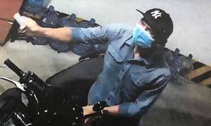 Màn trộm xe ngoạn mục trong tầng hầm cao ốc ở Sài Gòn