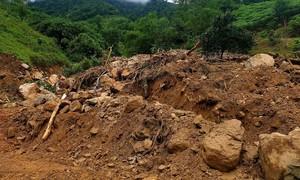 Lở đất vùi lấp gia đình 6 người ở Quảng Trị, đã tìm thấy 2 thi thể