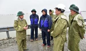 Các tỉnh, thành miền Trung khẩn trương ứng phó bão số 9