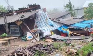 Thừa Thiên – Huế: Bão lật bay nhiều mái nhà, nước ngập lụt