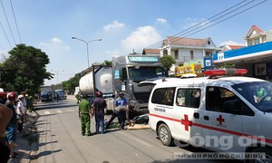 Xe bồn kéo lê xe máy dưới gầm, tài xế xe ôm tử vong thương tâm
