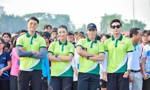 Dàn sao trẻ trung chạy bộ  tại giải việt dã sinh viên TPHCM