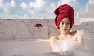 Kaity Nguyễn gợi cảm trong cảnh phim mới