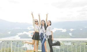 Mỹ nhân Hoa khôi du lịch khoe sắc trong bộ ảnh