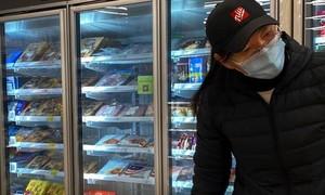 Chợ ở Bắc Kinh ngưng bán thực phẩm đông lạnh vì sợ nhiễm nCoV