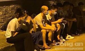 TPHCM: Phạt tù 3 bị cáo tổ chức cho nhiều người Trung Quốc lưu trú trái phép