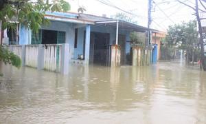 TP.Tam Kỳ ngập úng nhiều nơi do mưa lớn