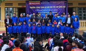 Sơn Nasun trao tặng 3.500 áo ấm cho học sinh Tây Bắc