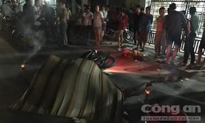 Hai người đi xe máy tử nạn sau cú tông kinh hoàng