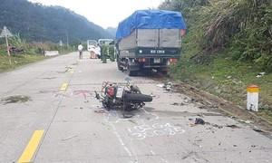 Xe máy tông xe tải, 2 du khách người ngoài tử vong