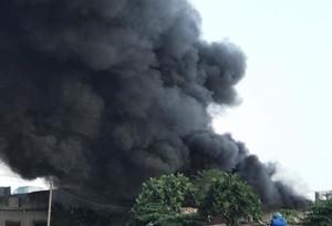 Cháy lớn tại công ty sản xuất đồ chơi ở Sài Gòn