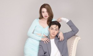 Bộ ảnh cặp đôi ca sĩ Việt trong nhóm nhạc đa quốc tịch