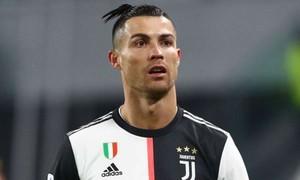 Ronaldo bị cách ly tại quê nhà vì dịch nCoV