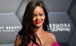 Rihanna quyên góp 5 triệu USD hỗ trợ ứng phó Covid-19